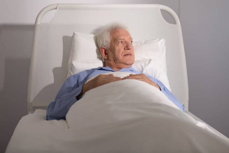 How to Care For Your Loved Ones When They Are Bedridden