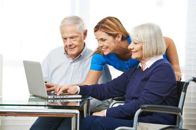 How To Best Help Seniors Adapt To The Internet